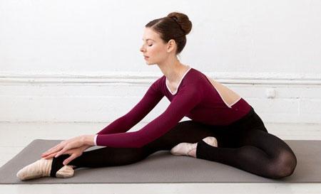 کشش-عضلات-همسترینگ-همانند-رقص-باله